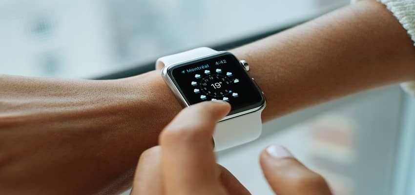 Smartwatch Buying Guide – How Smartwatches Works, Uses, Features & Tips