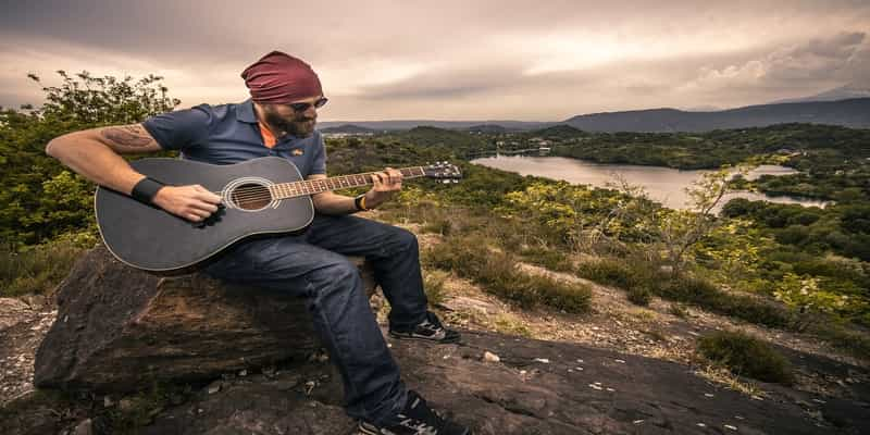 Top 5 Best Acoustic Guitar in India 2019