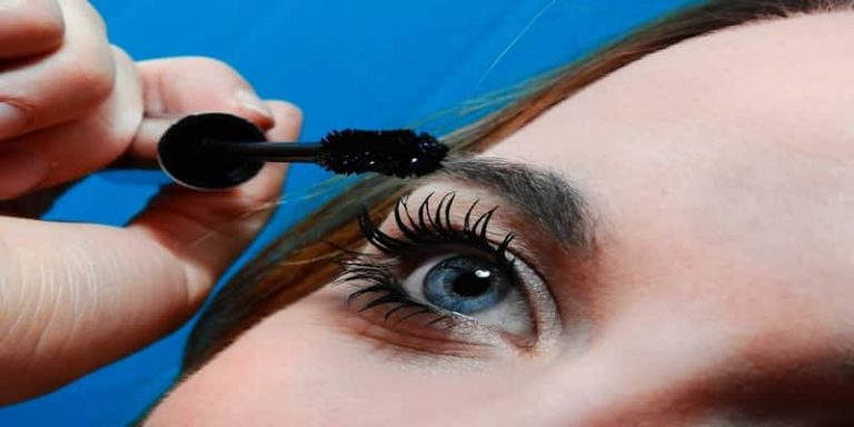 Top 5 Best Selling Mascara in India – Price & Review 2021