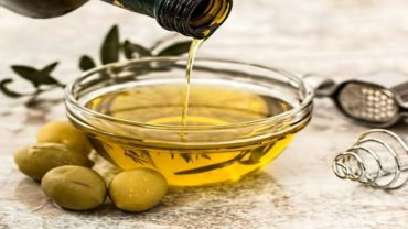 Best Olive Oil in India For Hair and Skin